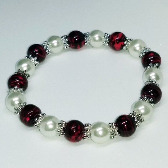Jewelry - PEARL BRACELET - Red White Silver beads - Stretch